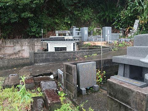 奄美大島の墓